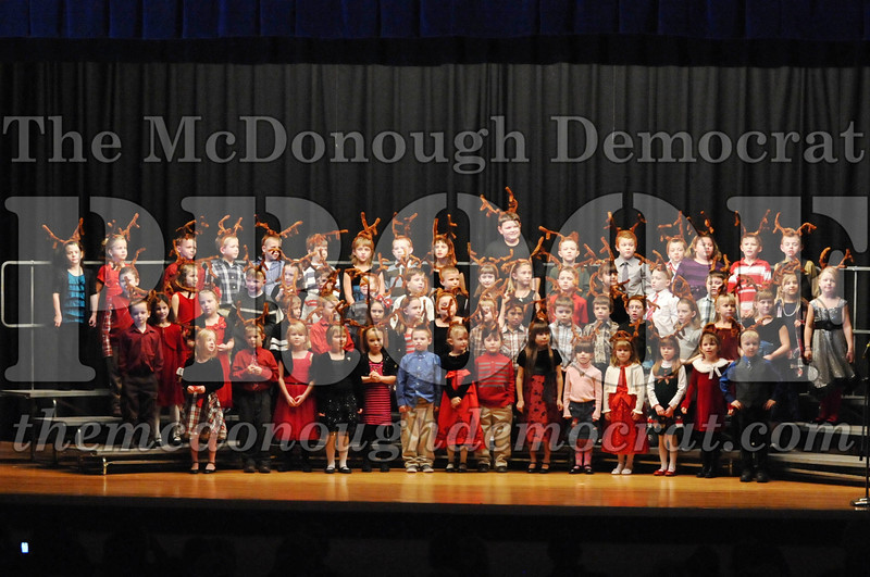 Elem K-1st gr Christmas Choral Program 12-13-11 033