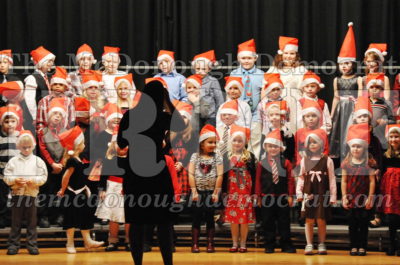 Elem K-1st gr Christmas Choral Program 12-13-11 011