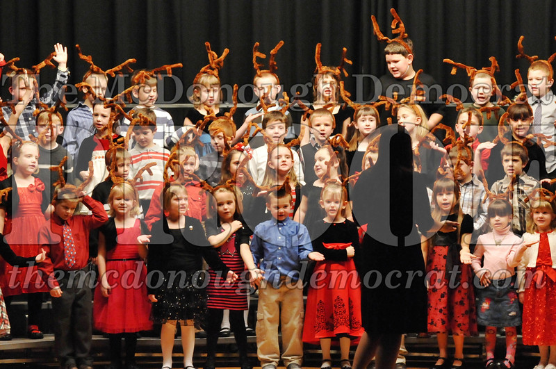 Elem K-1st gr Christmas Choral Program 12-13-11 057