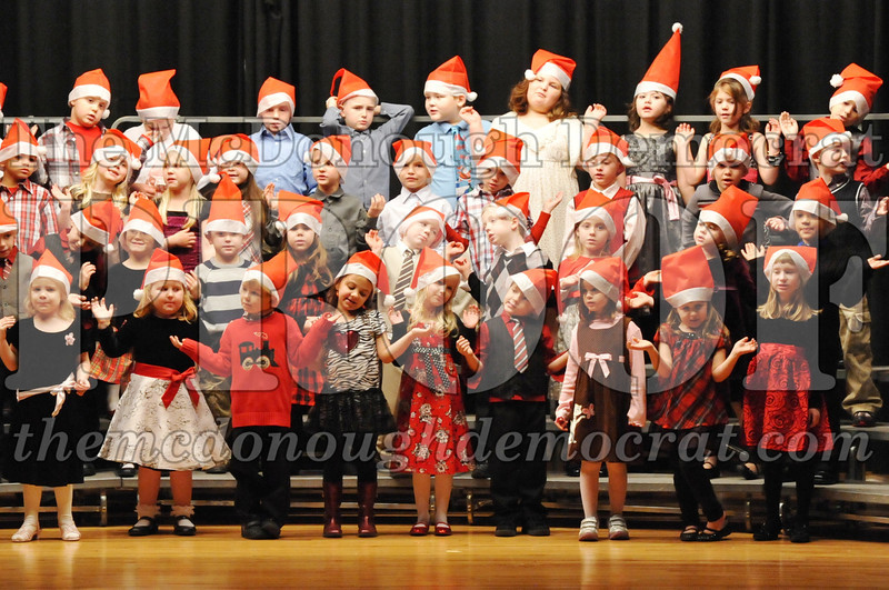 Elem K-1st gr Christmas Choral Program 12-13-11 022