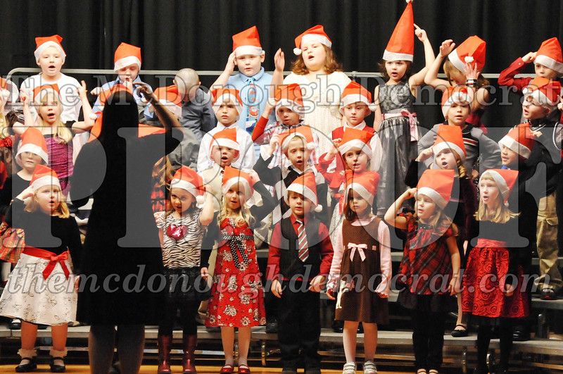 Elem K-1st gr Christmas Choral Program 12-13-11 019