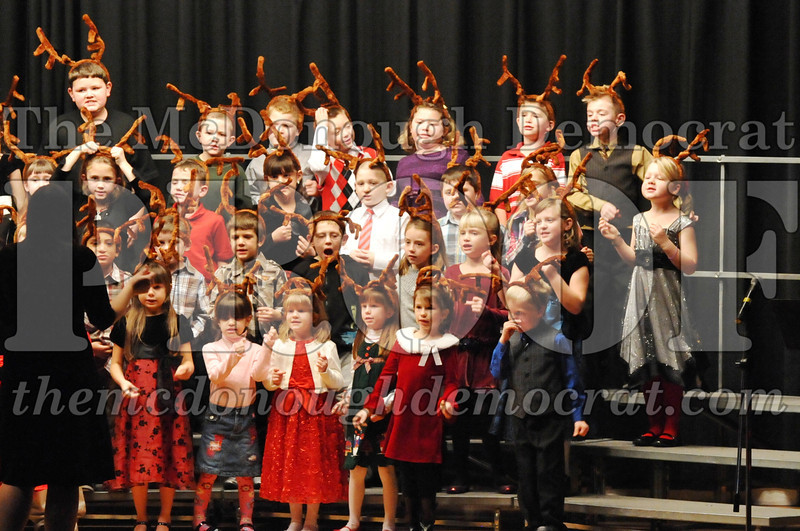 Elem K-1st gr Christmas Choral Program 12-13-11 050