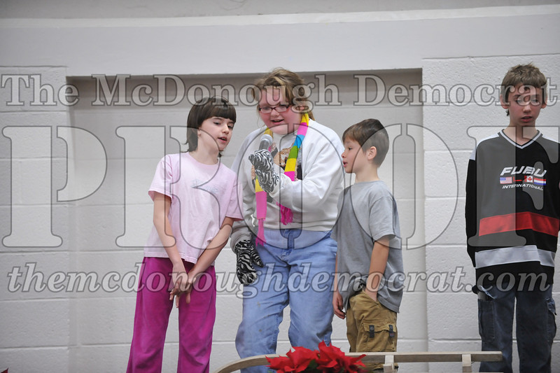 Elementry Christmas Assembly 12-21-11 066