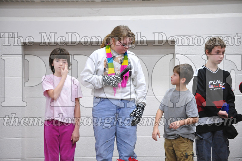 Elementry Christmas Assembly 12-21-11 060
