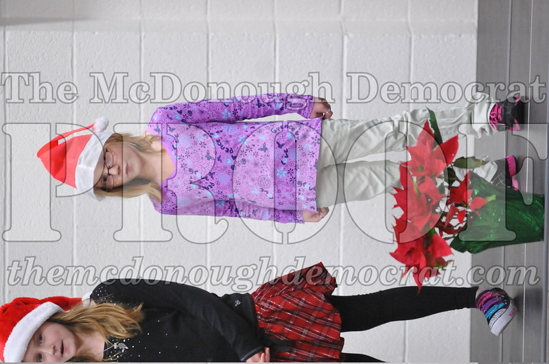 Elementry Christmas Assembly 12-21-11 039