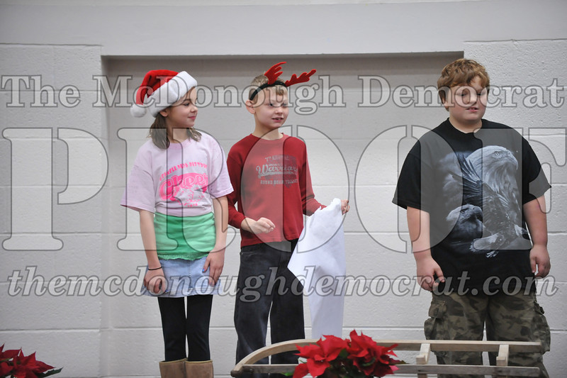 Elementry Christmas Assembly 12-21-11 077