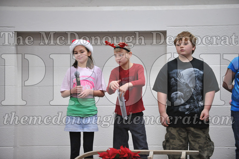 Elementry Christmas Assembly 12-21-11 072