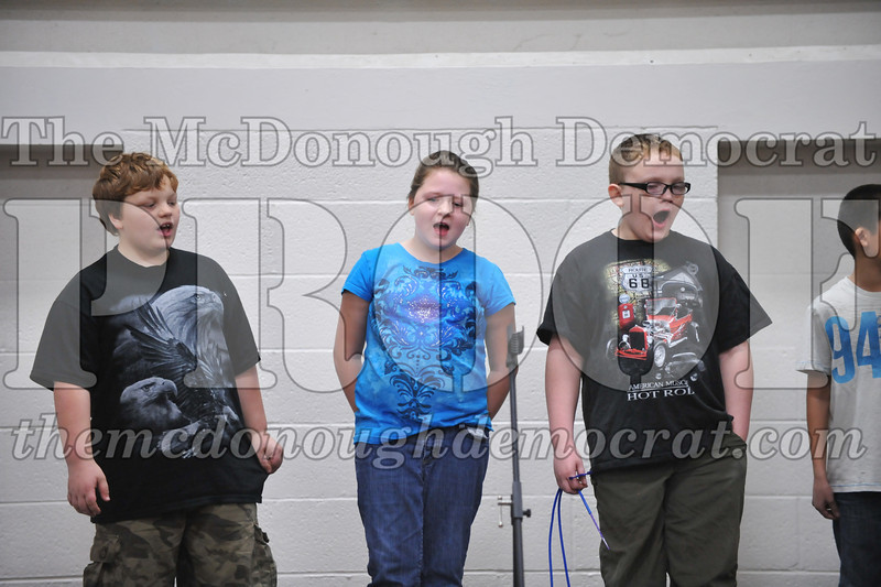 Elementry Christmas Assembly 12-21-11 076