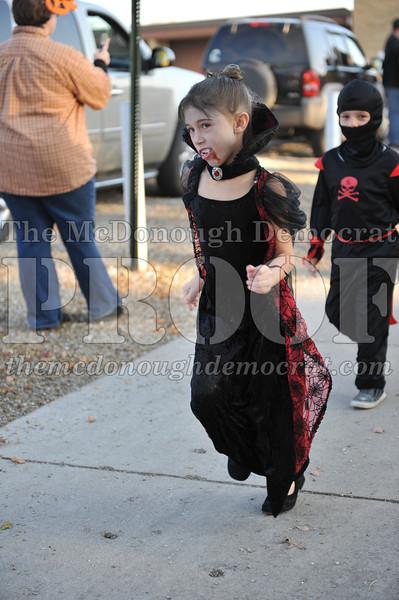 Elem Halloween Parade 10-31-11 051