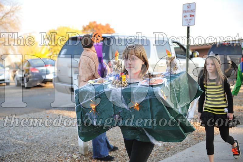 Elem Halloween Parade 10-31-11 016