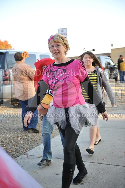 Elem Halloween Parade 10-31-11 023