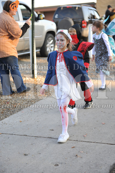 Elem Halloween Parade 10-31-11 052