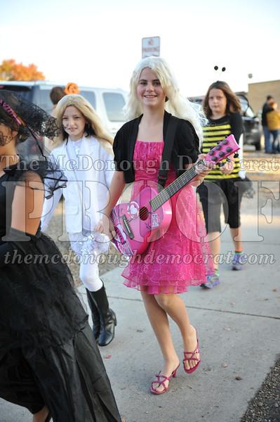 Elem Halloween Parade 10-31-11 027