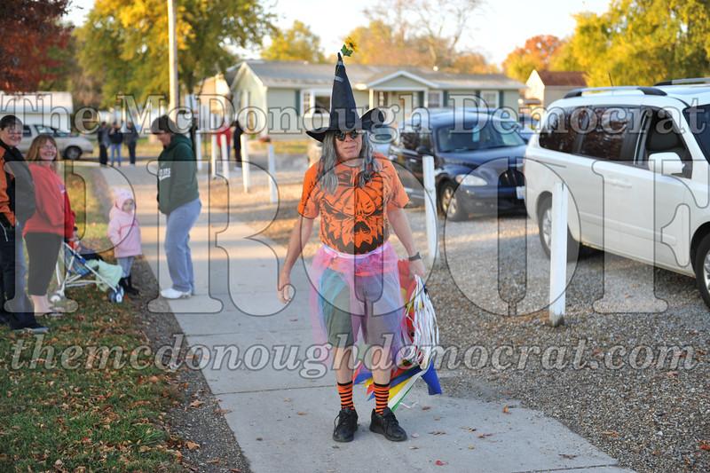 Elem Halloween Parade 10-31-11 001