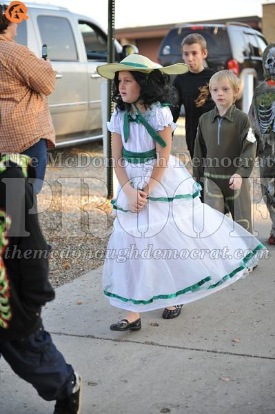 Elem Halloween Parade 10-31-11 036