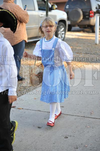 Elem Halloween Parade 10-31-11 046