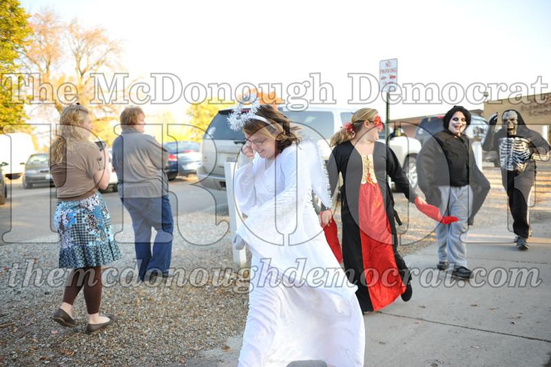 Elem Halloween Parade 10-31-11 019