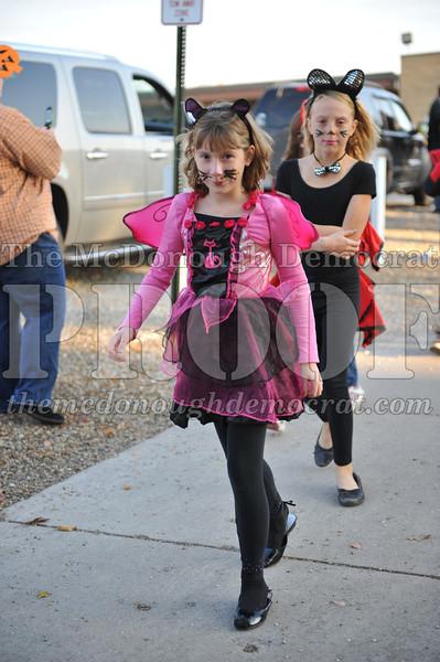 Elem Halloween Parade 10-31-11 029