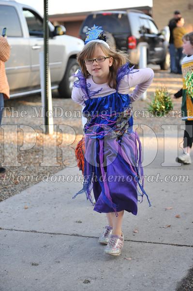 Elem Halloween Parade 10-31-11 039