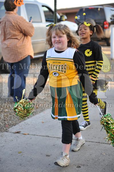 Elem Halloween Parade 10-31-11 041