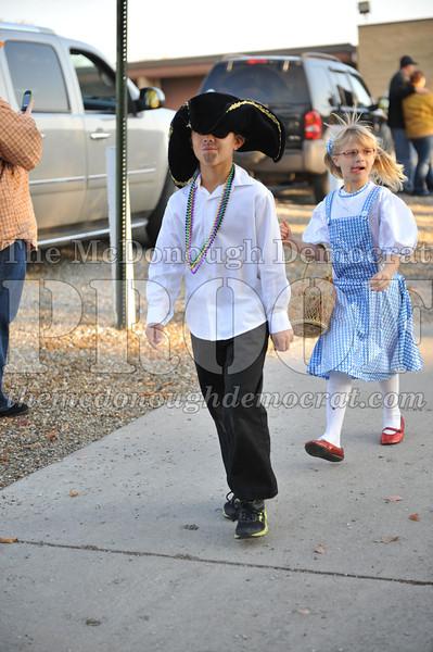 Elem Halloween Parade 10-31-11 045