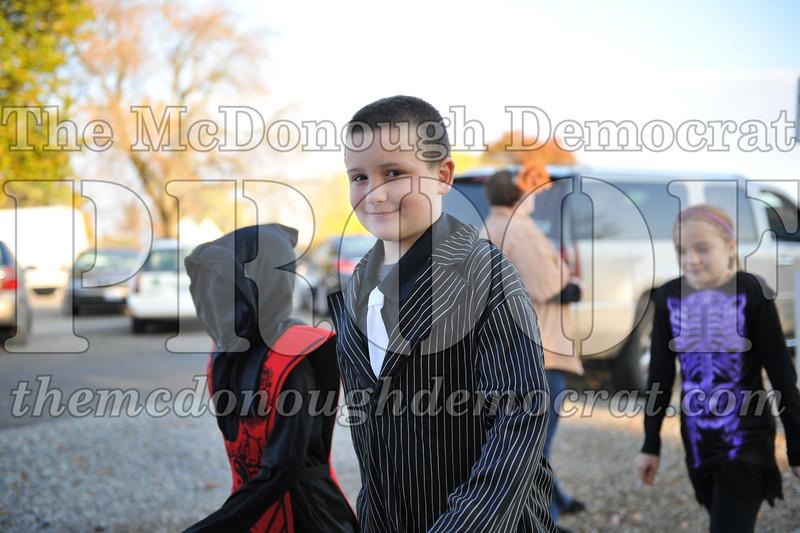 Elem Halloween Parade 10-31-11 009