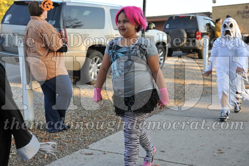 Elem Halloween Parade 10-31-11 004