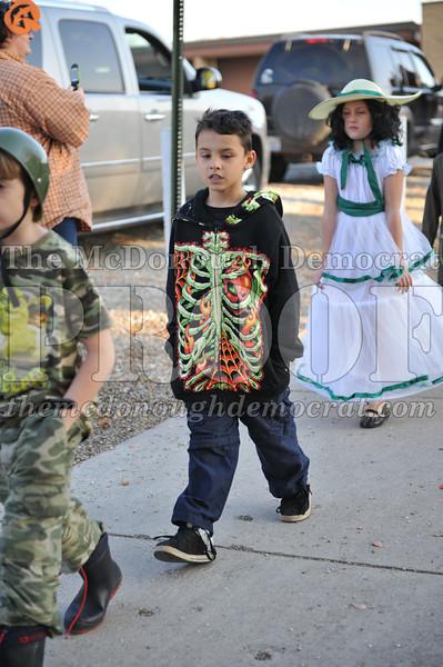 Elem Halloween Parade 10-31-11 035