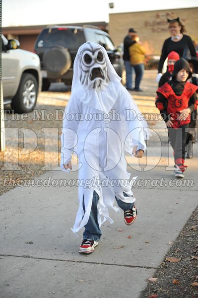 Elem Halloween Parade 10-31-11 047