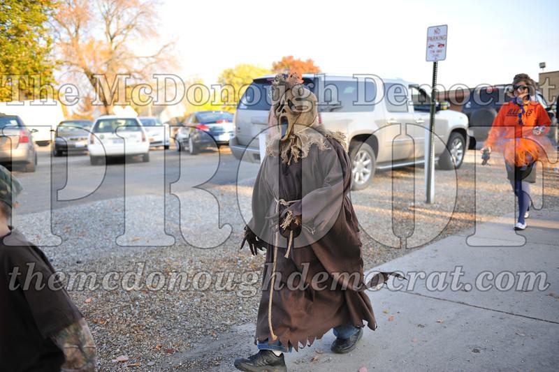 Elem Halloween Parade 10-31-11 010
