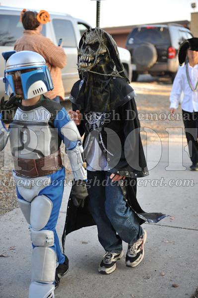 Elem Halloween Parade 10-31-11 044
