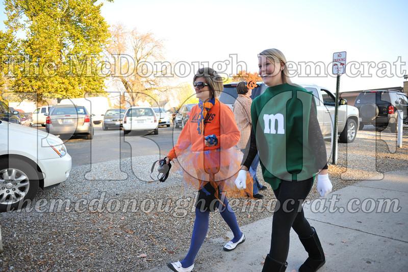 Elem Halloween Parade 10-31-11 011