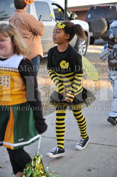 Elem Halloween Parade 10-31-11 042