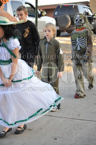 Elem Halloween Parade 10-31-11 037