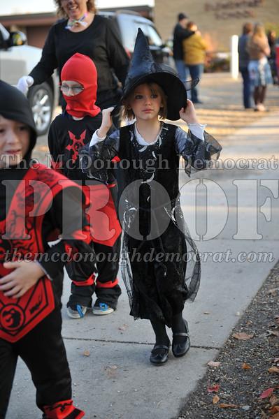 Elem Halloween Parade 10-31-11 049