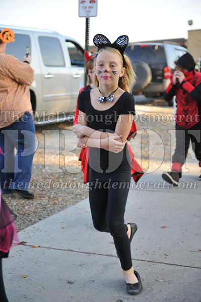 Elem Halloween Parade 10-31-11 030