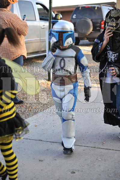 Elem Halloween Parade 10-31-11 043