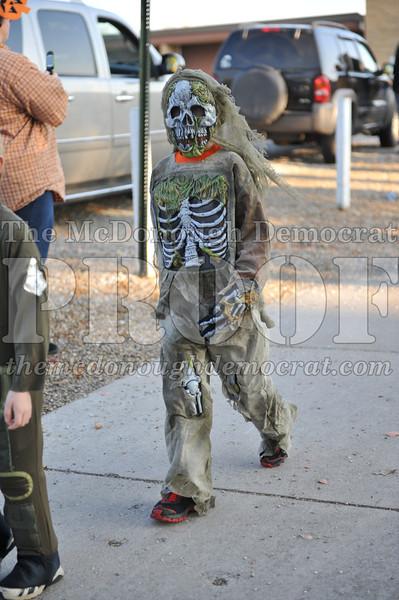 Elem Halloween Parade 10-31-11 038