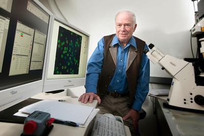 Richard_Bankert_Microbiology_immunology_hr_2595