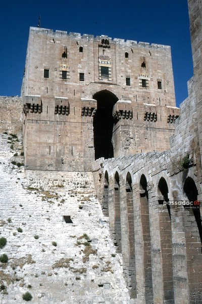 citadelle d'Alep (Syrie) dans les années 1970; Citadel of Aleppo (Syria) in the 70s