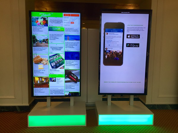 Social Wall Accelerate for Apttus