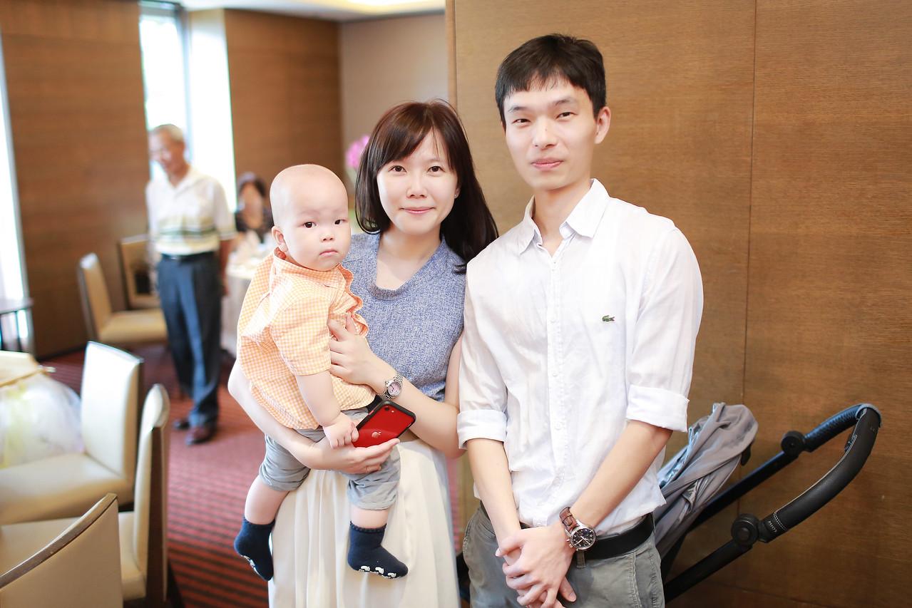 《龍鳳胎抓周紀錄推薦》可愛的雙寶抓週 / 台中裕元花園酒店