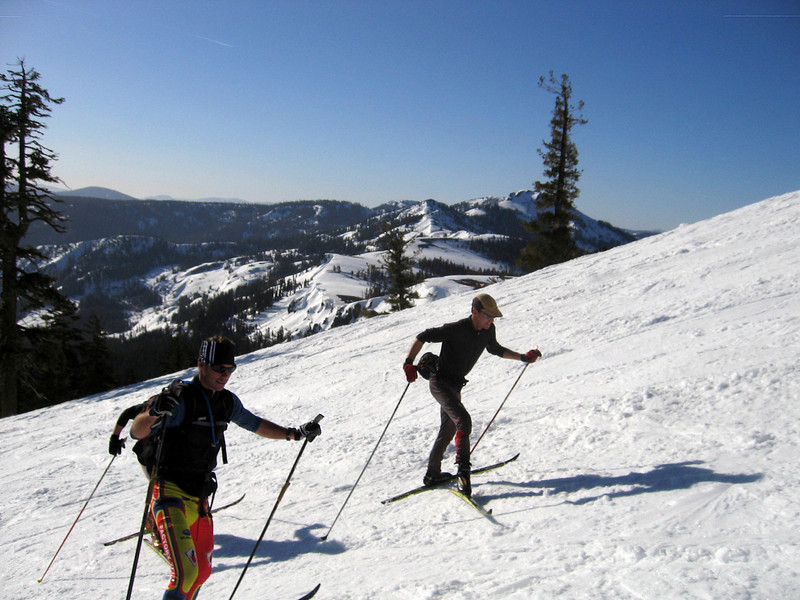 Heading up the final Sugar Bowl slopes to the top of Mt. Lincoln before hitting the crest traverse. A nice 40 minute warmup up Sugar Bowl on yesterday's frozen ruts. We hit Sugar Bowl one day too late, otherwise we could have skied on nice corduroy on closing day.