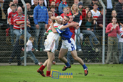 Oct 2006 - Daragh O'Sullivan tries to make progress for St. Patricks in the Dooley Poynton Senior football Championship