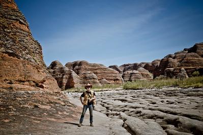 Jassi zwischen den Felsen