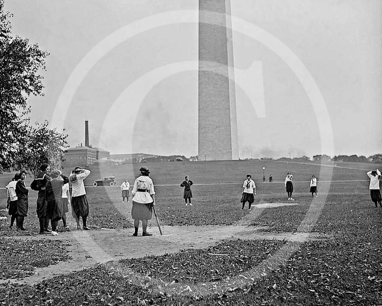 Female baseball players, 10 October 1919.