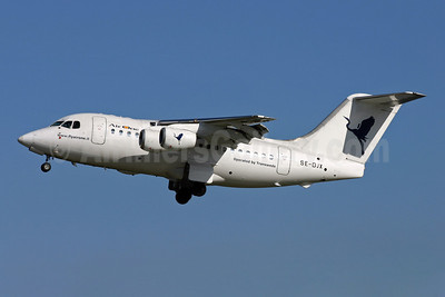 Air One-Transwede Airways (2nd) BAe RJ70 SE-DJX (msn E1223) LCY (Terry Wade). Image: 907714.