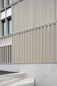 06 Schulhaus Pfeffingen, Fassadendetail Südfassade / Aussentreppe