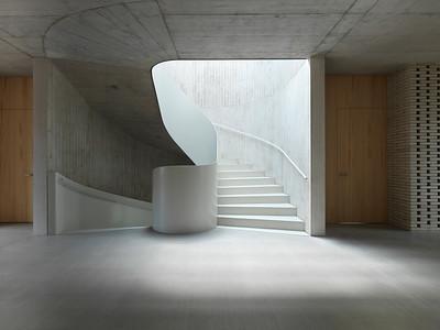 10 Schulhaus Pfeffingen, Treppe im 1. Obergeschoss