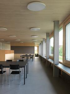 20 Schulhaus Pfeffingen, Lehrpersonenbereich im Sockelgeschoss